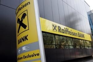 Raiffeisen a scazut dobanzile la creditele in lei si euro