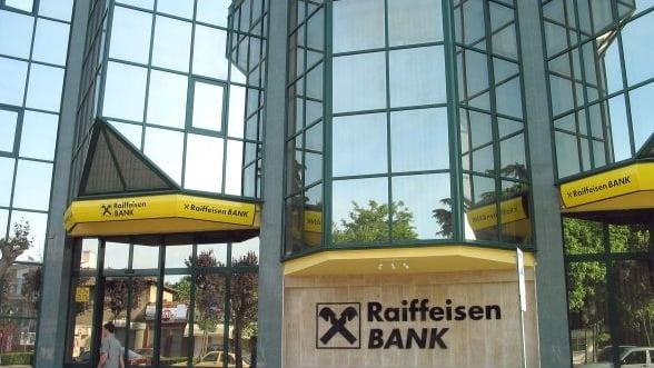 Raiffeisen vrea sa vanda direct actiuni investitorilor pentru a-si majora capitalul