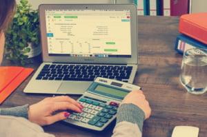Raport Moneycorp: Indisciplina financiara atinge un minim istoric. Afacerile incep sa-si revina
