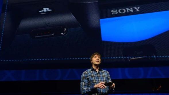 Razboiul consolelor continua intre Sony si Microsoft. PlayStation4 a fost lansat