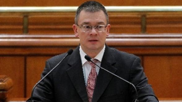 Razvan Ungureanu, pregatit sa-si prezinte bilantul la 100 de zile de mandat