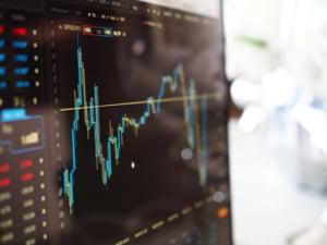 Record istoric atins de bursa de la Bucuresti. Indicele BET a ajuns la cea mai ridicata valoare din ultimii 24 de ani