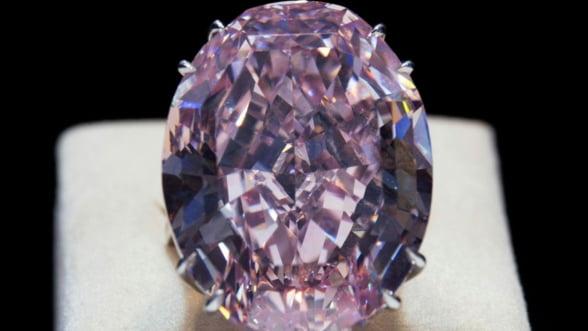 Record pe piata de diamante. Pink Star s-a vandut cu 83 de milioane de dolari