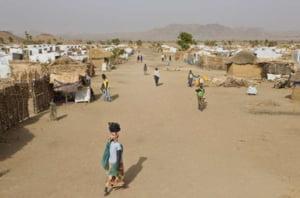 Refugiatii din fata violentelor Boko Haram, afectati de lipsuri chiar si in taberele ONU