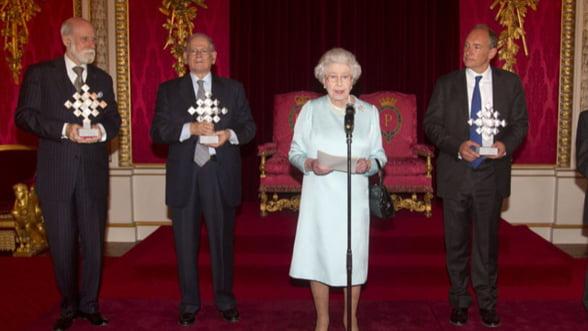 Regina Angliei a oferit un milion de lire sterline creatorilor Internetului