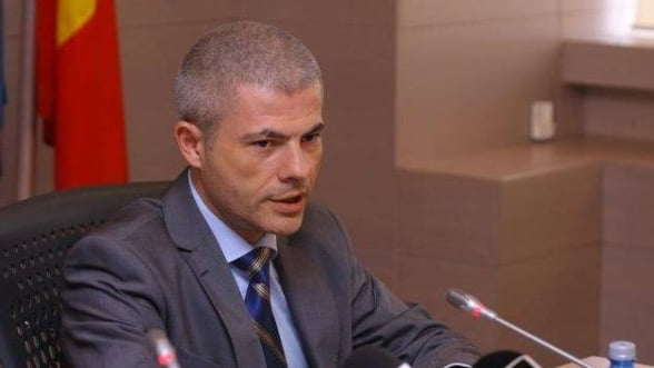 """Remus Vulpescu, """"winner""""-ul anuntat de Vosganian la Economie: """"Este literatura fantastica!"""""""