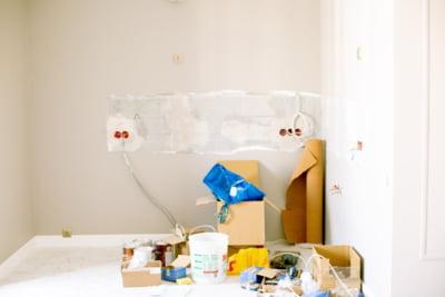 Renovari si amenajari la interior: schimbarea instalatiei de curent