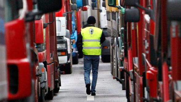 Retaileri: Prelungirea grevei transportatorilor mai mult de doua zile va afecta aprovizionarea magazinelor