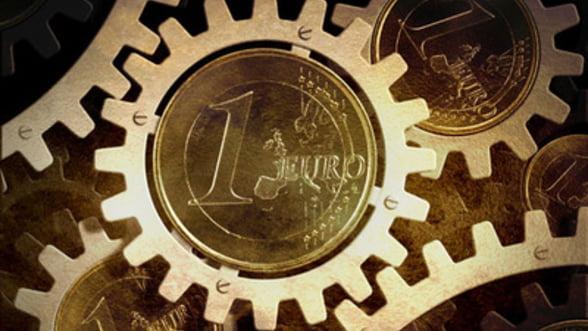 Retrospectiva 2013: Cum a fluctuat cursul valutar in acest an si ce ne asteapta in 2014
