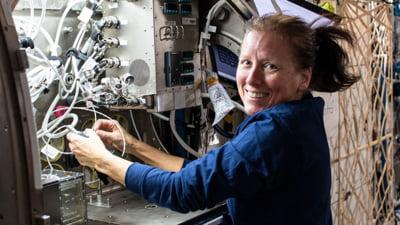 Revelion in Spatiu. Astronautii de pe Statia Spatiala Internationala trec in 2021 pe 1 ianuarie, la ora 2.00 a Romaniei