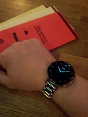 Review Moto 365: Merita sa dai peste 1.800 de lei pe un ceas inteligent si elegant? (Foto&video)