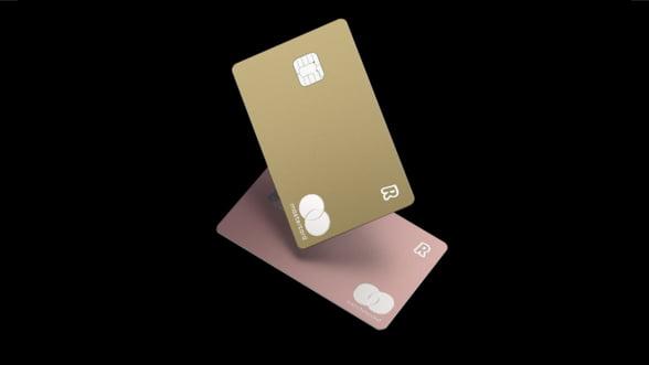 Revolut lanseaza patru noi carduri de metal colorate