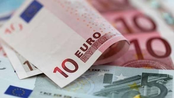 Rezervele valutare la BNR au scazut cu 328 milioane euro in iulie