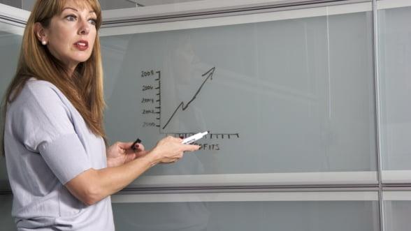 Romania a intrat in Cartea Recordurilor cu cea mai mare lectie de educatie financiara sustinuta simultan