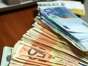 Romania a primit prima transa din imprumutul de la CE