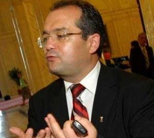 Romania a trecut de furtuna - Emil Boc