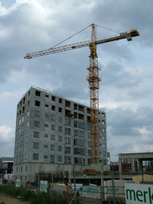 "Romania imobiliara: ""Avem 97-98% proprietari, care nu-si permit sa dea o zugraveala"""