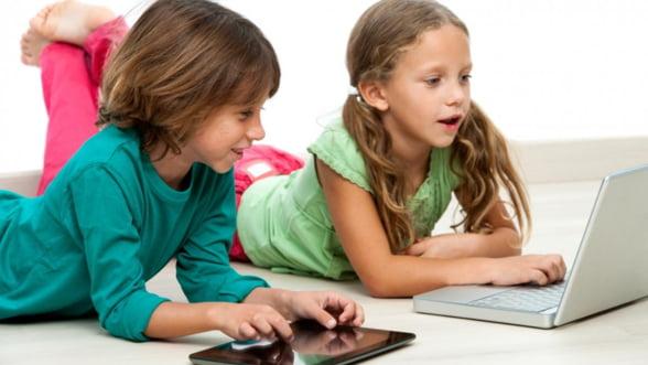 Romania introduce manualele scolare digitale de anul viitor