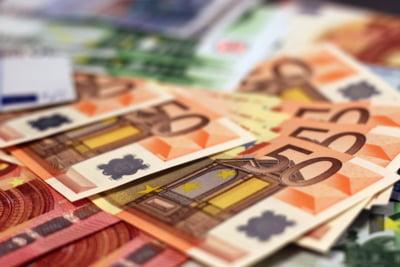 Romania se imprumuta cu 2,5 miliarde de euro pentru a-si finanta deficitul bugetar