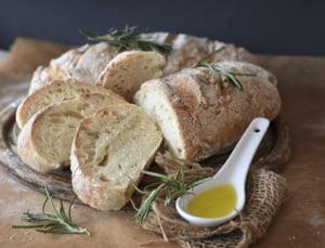 Romanii ar putea fi nevoiti sa aloce buget mai mare pentru paine, patiserie sau cozonac