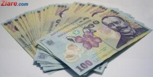 Romanii au castigat mai multi bani in octombrie - Domeniul cu salariu mediu de 4.500 de lei