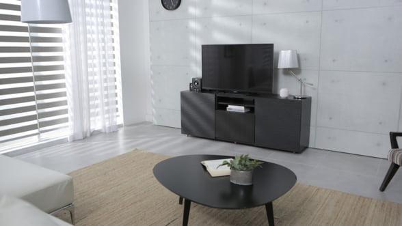 Romanii au cheltuit cel mai mult pentru achizitionarea de televizoare si produse electronice, de Black Friday (studiu)