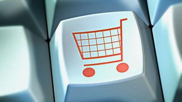 Romanii cheltuiesc 500 de mil. de euro pe an in magazinele online din strainatate