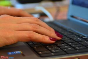 Romanii isi fac griji ca pot fi victimele hackerilor, dar nu isi verifica setarile de securitate - studiu Google