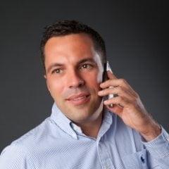 Romanii isi schimba telefonul scump o data la 6 luni - Care sunt cele mai vandute gadgeturi