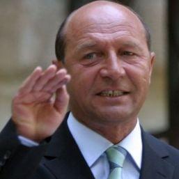 Romanii nu mai au incredere in Basescu