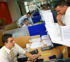 Romanii prefera sa iti tina banii in Bulgaria