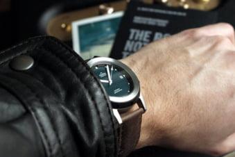 Romanul care creeaza ceasuri elvetiene a dat din nou lovitura cu un model automatic inspirat de Lacul Dracului