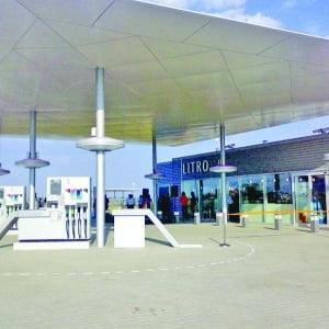 Rompetrol a deschis marti doua benzinarii pe autostrada Soarelui
