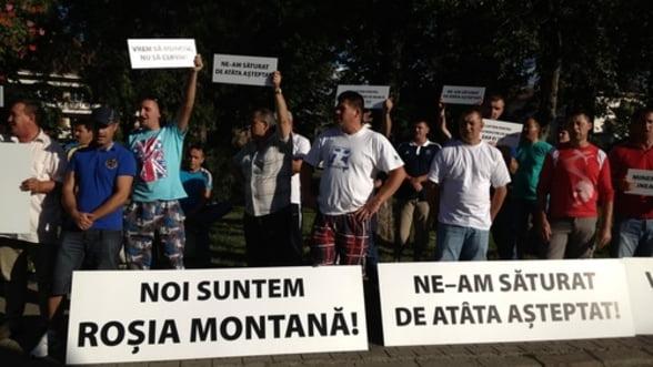 Rosia Montana. Minerii 'protesteaza' in justitie impotriva interzicerii reclamelor suspendate de CNA