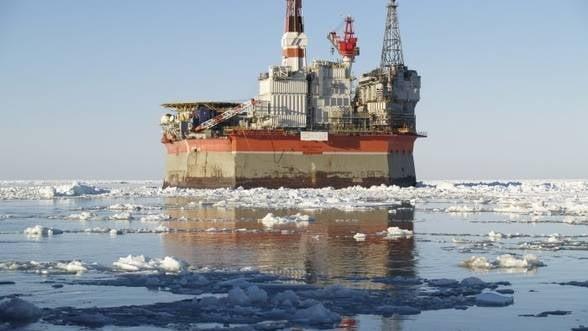 Rosneft si Exxon au gasit rezerve mari de petrol in Marea Arctica