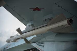 Rusia a anuntat incetarea tratatului de dezarmare nucleara. Americanii n-au destui bani de rachete noi