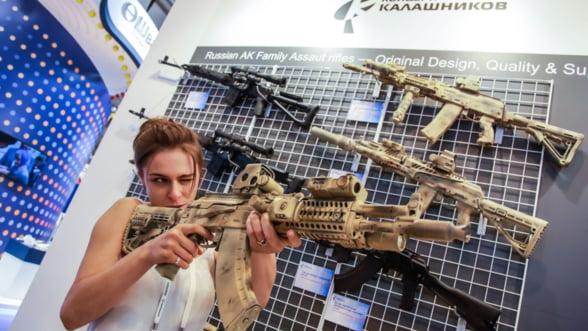 Rusia renunta la importurile de armament: Ne descurcam pe plan local...