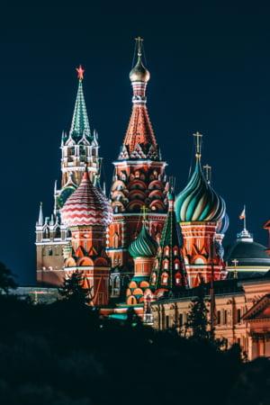 Rusia reprezinta o amenintare mult mai mare decat teroristii islamici, spune noul sef al Armatei britanice