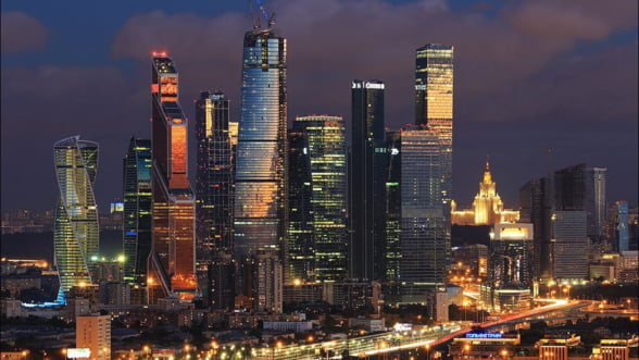 Rusia se afunda in criza: Petrolul ieftin trage in jos si piata imobiliara din Moscova