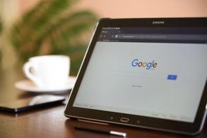 Rusia va obliga gigantii internetului sa isi deschida reprezentante locale