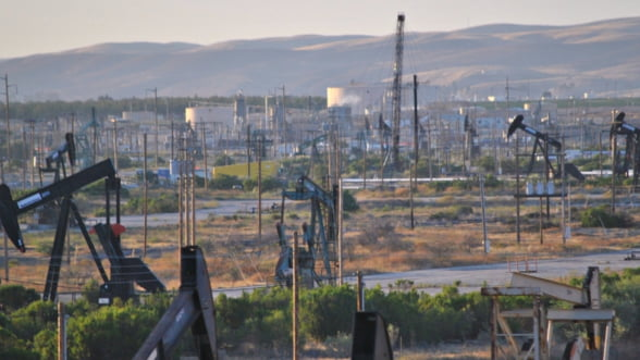 Rusia vrea sa creasca productia de petrol. Europa, client de baza