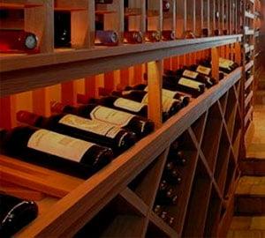 Rusii, invitati sa viziteze laboratoarele de testare a vinurilor din R. Moldova