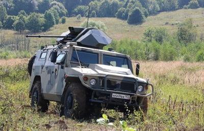 Rusii lucreaza la Humvee fara pilot care poate trage singur cu tunul