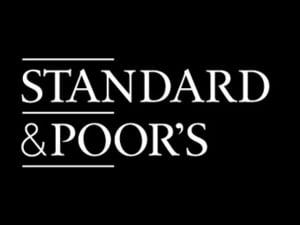 S&P: ratingul Romaniei, de la negativ la stabil