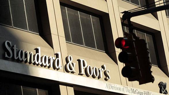"""S&P a imbunatatit perspectiva de rating a SUA la """"stabila"""""""