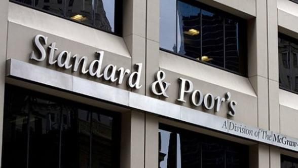 S&P a retrogradat 4 banci din Ungaria