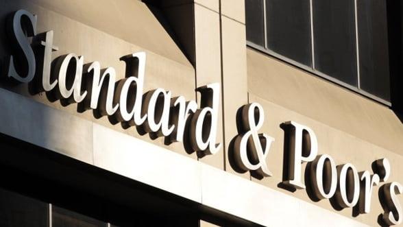 """S&P retrogradeaza Grecia la nivelul de """"faliment controlat"""""""