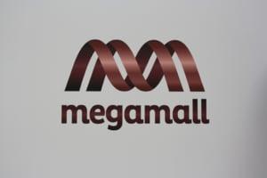 S-a deschis Mega Mall: Inaugurare cu praf, schele, aglomeratie si promisiuni - Fotoreportaj