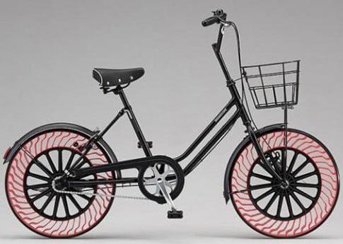 S-a inventat bicicleta pentru care nu-ti mai trebuie pompa. Cum ti-ar sta pe ea?