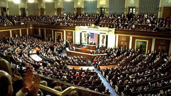SUA: Camera Reprezentantilor adopta un buget si sfideaza Senatul